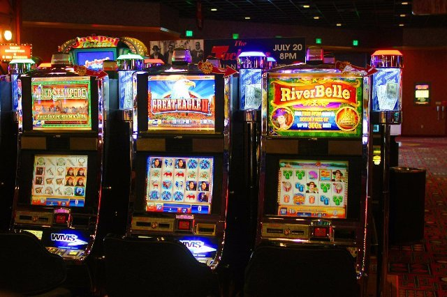 АПлей казино официальный сайт доступен ежедневно в любое время суток